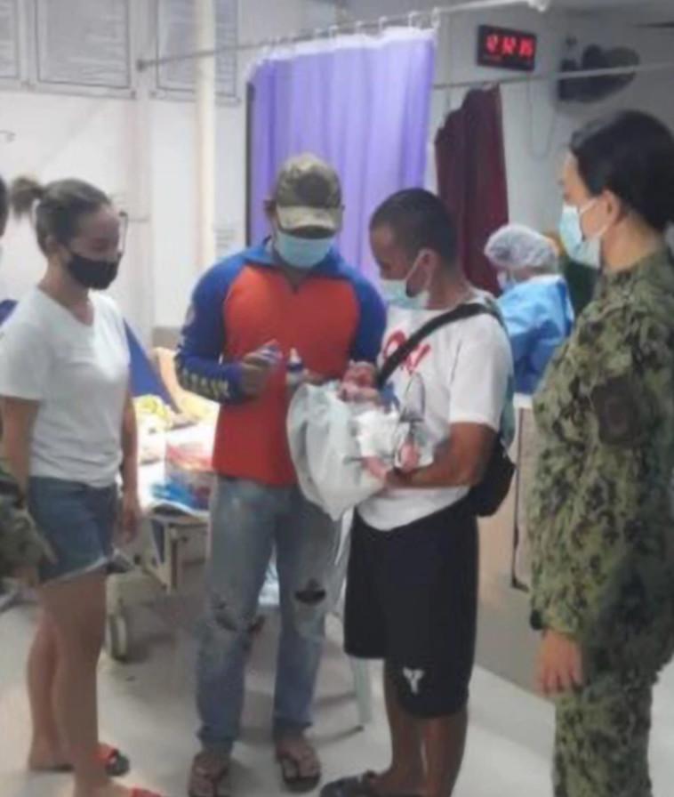 התינוק בבית החולים  (צילום: רשתות חברתיות)
