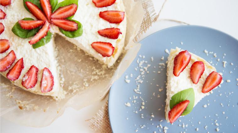 עוגת גבינה קלה של חלי ממן (צילום: יח''צ)