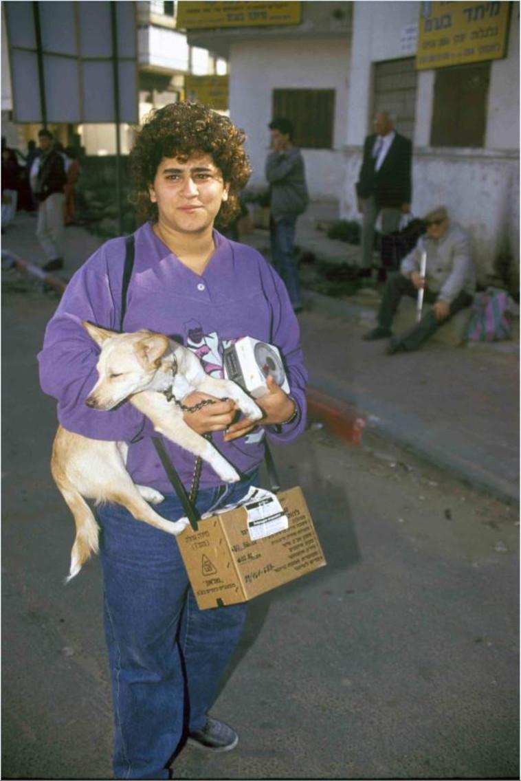 גם את חיות המחמד לא זנחנו (צילום: נעם וינד,באדיבות ארכיון צה''ל במשרד הביטחון)