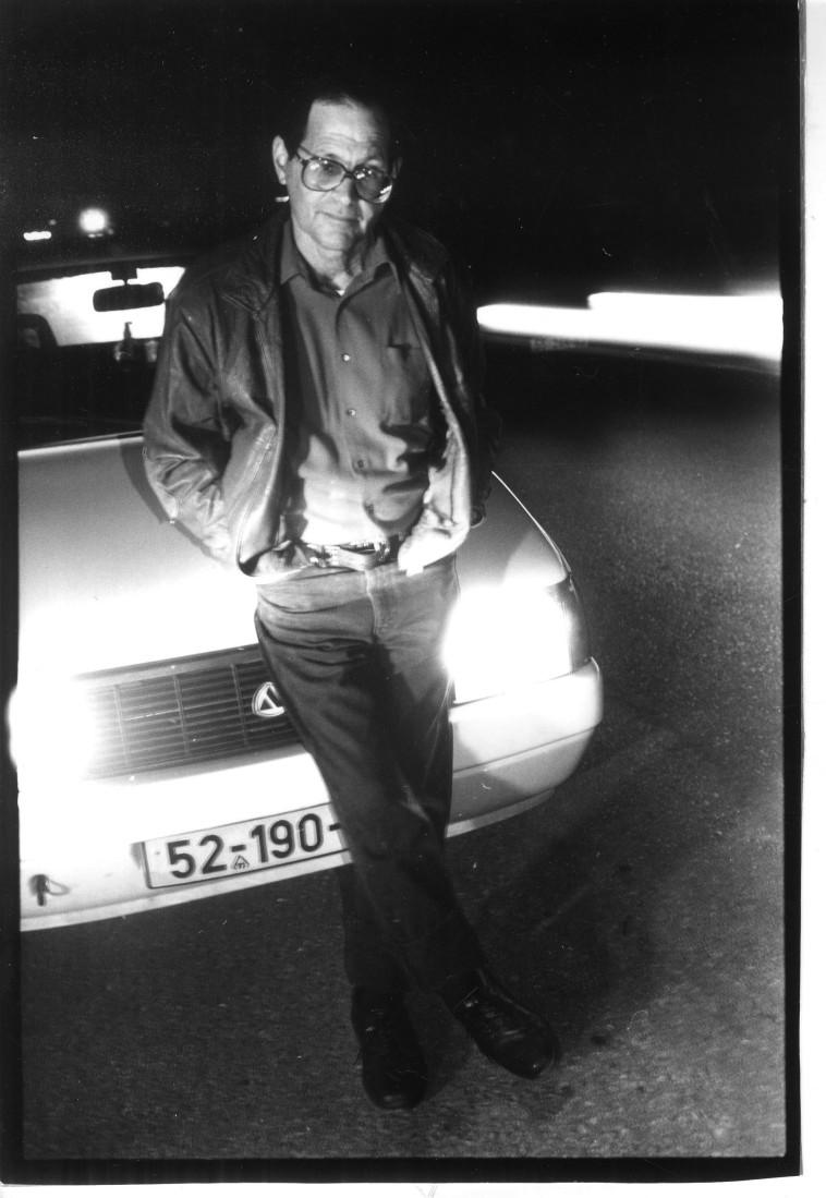 עמוס גלבוע ב-1992 (צילום: ראובן קסטרו)