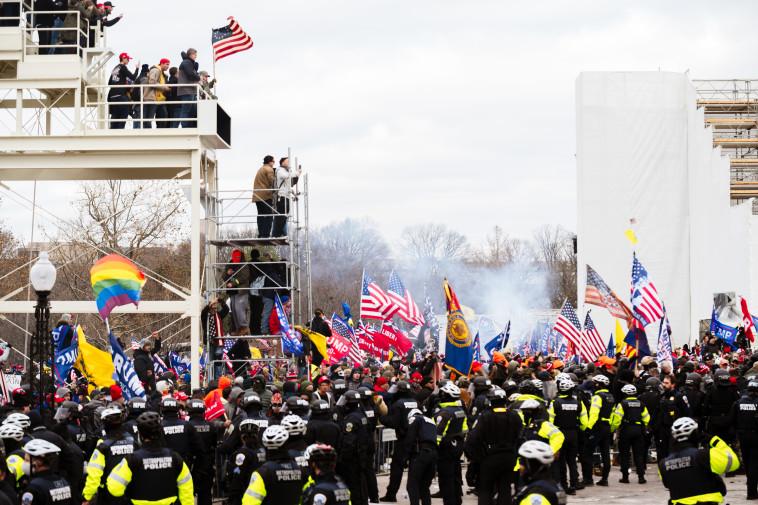 מהומות בארצות הברית  (צילום: Jon Cherry/Getty Images)