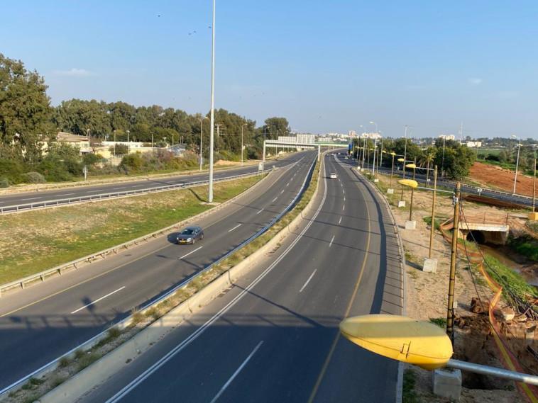 כבישי ישראל בסגר (צילום: אבשלום ששוני)