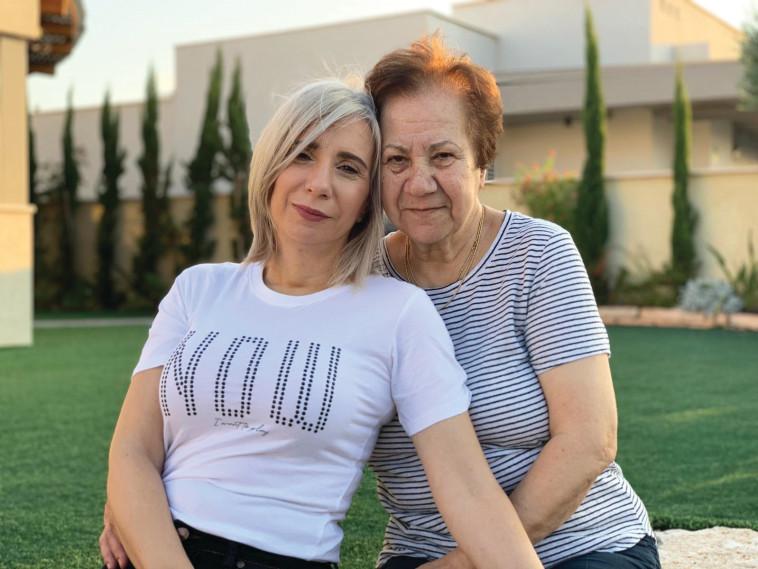 איריס סוויסה ואמה אסתר (צילום: צילום פרטי)