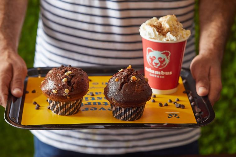 מאפינס וקפה של קולומבוס (צילום: אפיק גבאי)