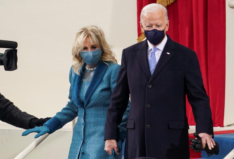 ג'ו ביידן מגיע לטקס ההשבעה (צילום: REUTERS/Kevin Lamarque)