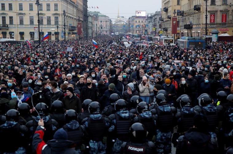 מחאות ברוסיה על מעצר נבלני (צילום: REUTERS/Anton Vaganov)