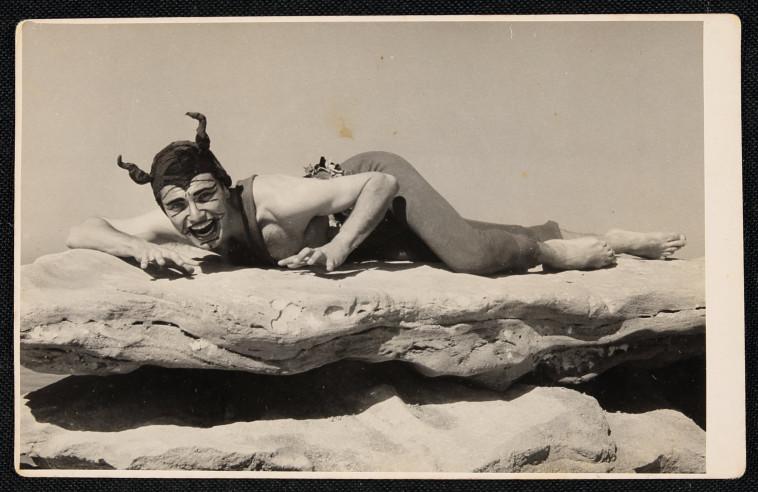 יונתן כרמון, ממציא המחול הישראלי ומייסד פסטיבל המחולות בכרמיאל (צילום: ארכיון יונתן כרמון-אלון שמידט הספריה הלאומית)