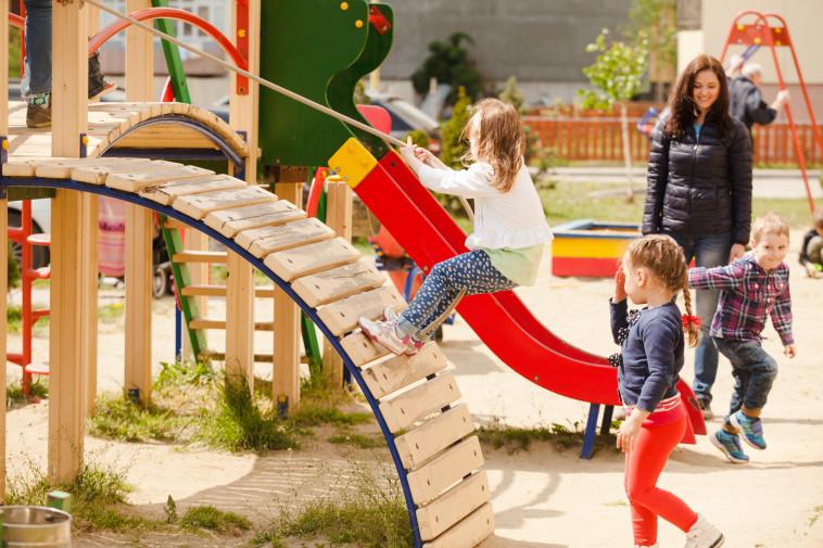 ילדים משחקים (צילום: אינגאימג')