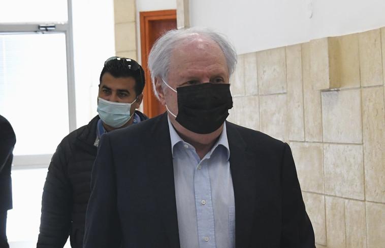 שאול אלוביץ' מגיע לבית המשפט (צילום: ראובן קסטרו)