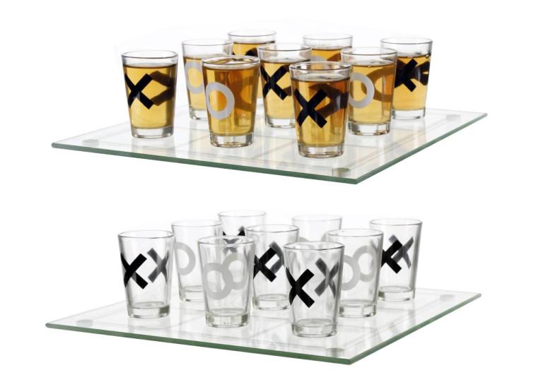 משחק שתיה איקס עיגול ברשת ג'נטלמן (צילום: יח''צ)