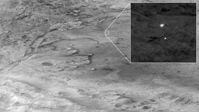 תמונה מרגעי נחיתת הגשושית במאדים (צילום: NASA/JPL-Caltech/Handout via REUTERS)