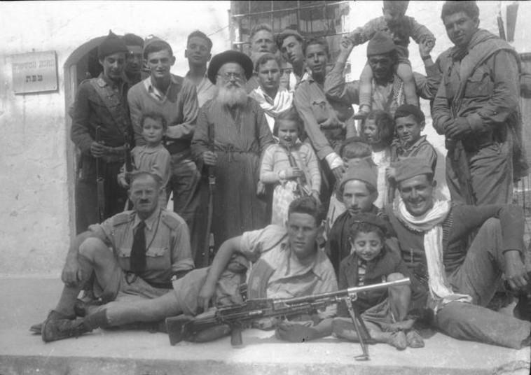 לוחמי חטיבת גולני בשחרור העיר צפת (צילום: באדיבות ארכיון חטיבת גולני)