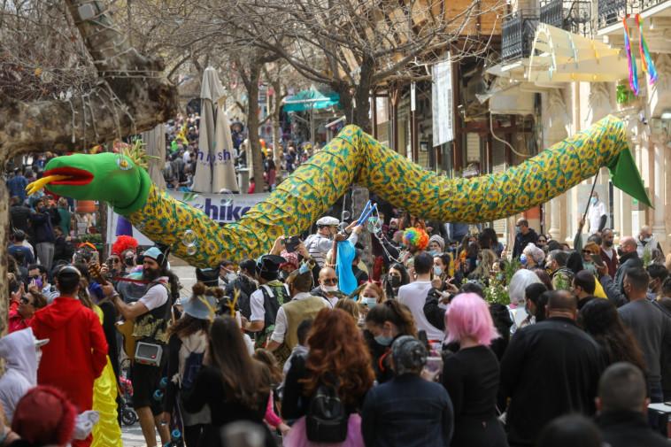 חגיגות פורים בירושלים (צילום: מרק ישראל סלם)