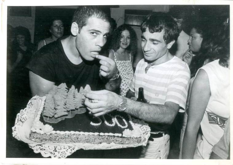 הרבה ימי צילום יחד. איבגי וגבריאל בשנת 1983 (צילום: ראובן קסטרו)