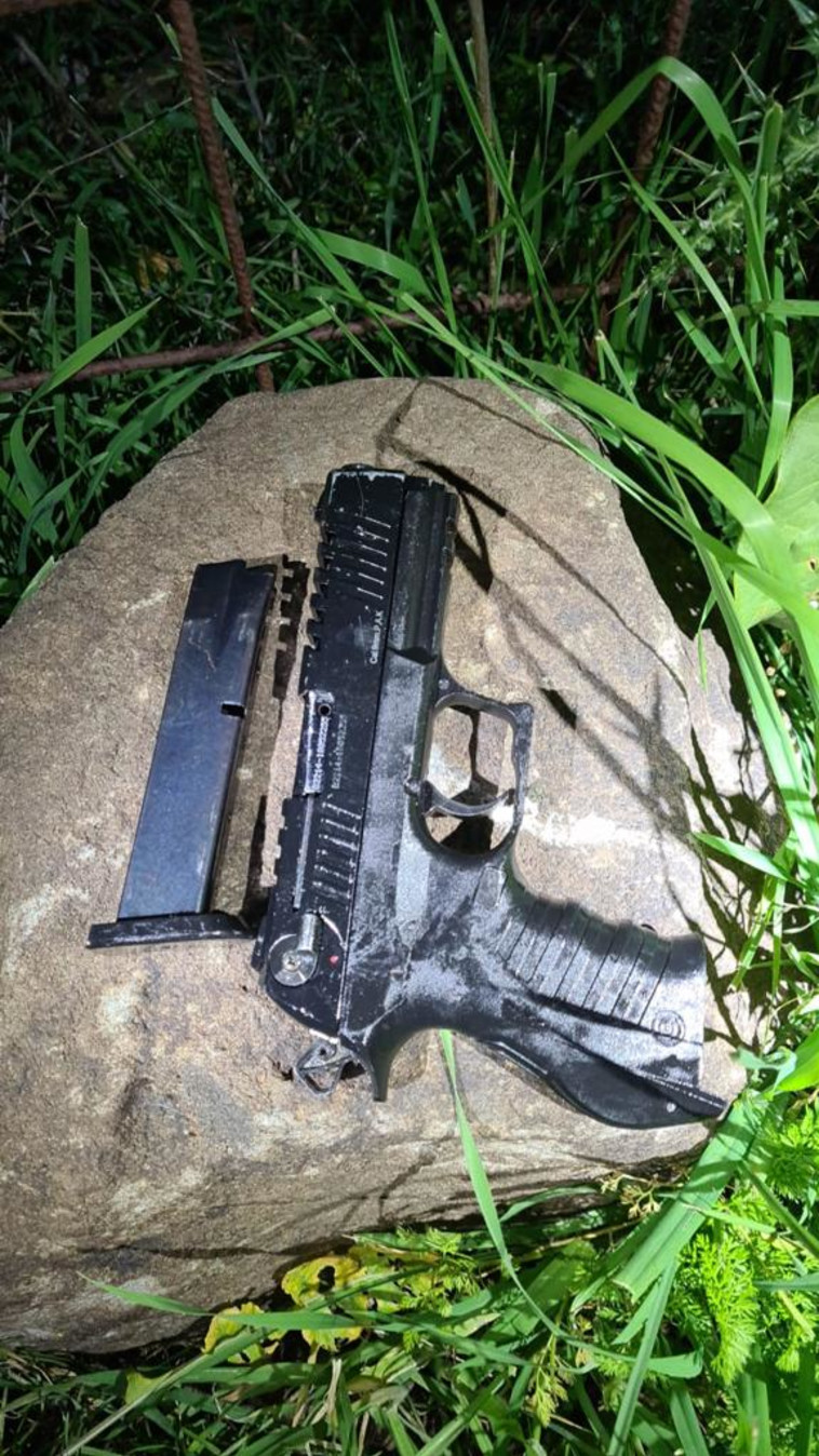 נשק שנתפס על ידי המשטרה (צילום: דוברות המשטרה)