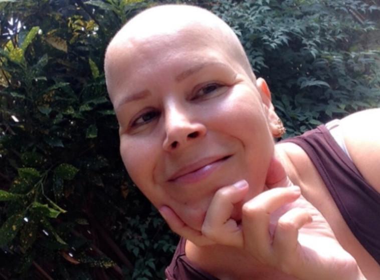 ויוי קנוביץ' כאשר חלתה בסרטן (צילום: פרטי)