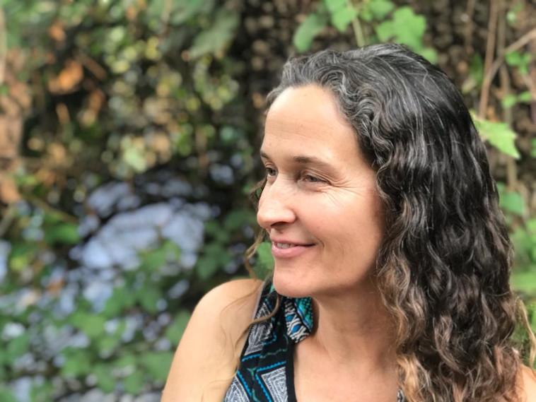 רותי לסטר, מרכזת הקמפוס בקיבוץ עמיר (צילום: מורי אלמלם)