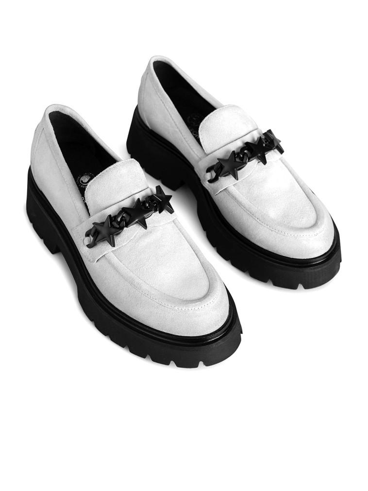 נעלי לאופר של עמנואל, 924 שקלים (צילום: דנה קרן)