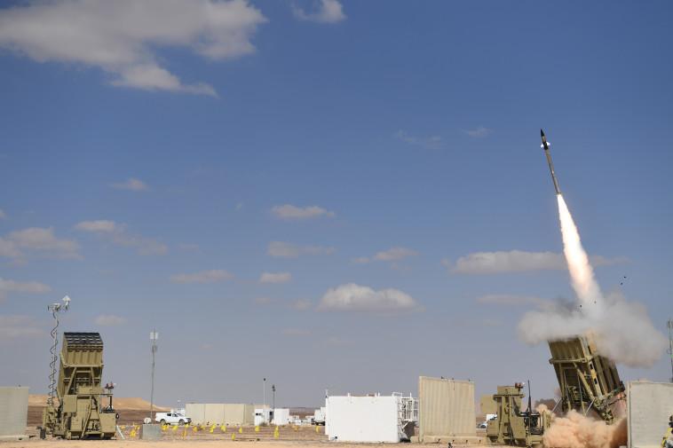 כיפת ברזל בפעולה (צילום: אגף דוברות והסברה, משרד הביטחון)