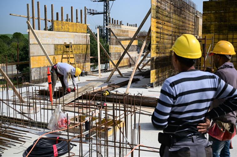 אתר בנייה (צילום: מיכל גלעדי, פלאש 90)