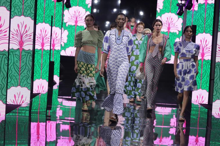 לארה רוסנובסקי - שבוע האופנה  (צילום: אבי ולדמן)