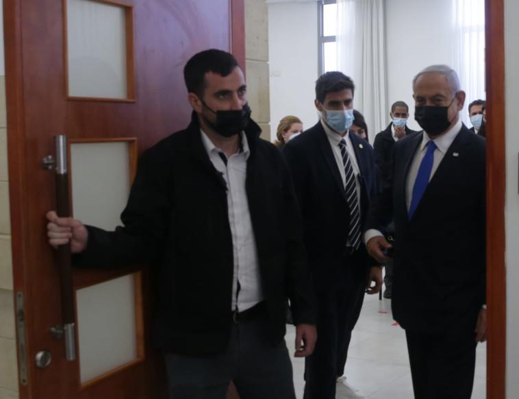 ראש הממשלה בנימין נתניהו עוזב את בית המשפט (צילום: פול אורן בן חקון)