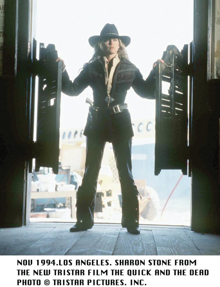 שרון סטון ב''המהירים והמתים'' (צילום: Getty images)