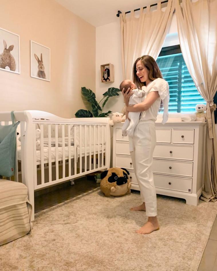 החדר של מעיין ובנה (צילום: באדיבות המצולמת)