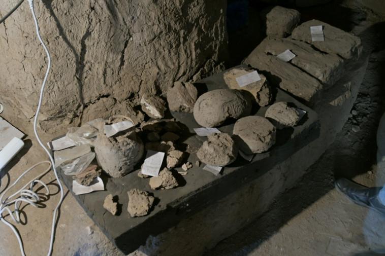 הממצאים שהתגלו במצרים (צילום: רויטרס)