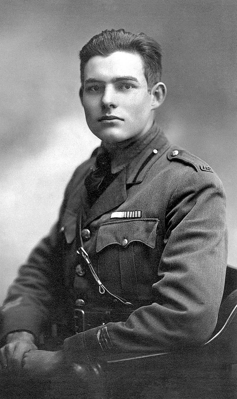 המינגוויי במדי צבא, מילאן 1918 (צילום: National Archives and Records Administration  )
