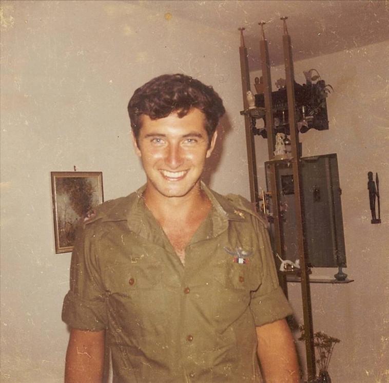 סגן יורם שחם ויינראוב ז''ל נפל ב־9 בדצמבר 1969 (צילום: באדיבות המשפחה)
