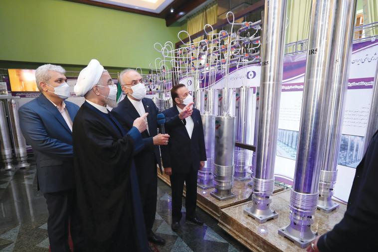 נשיא איראן חסן רוחאני מבקר במתקן גרעיני (צילום: רויטרס)