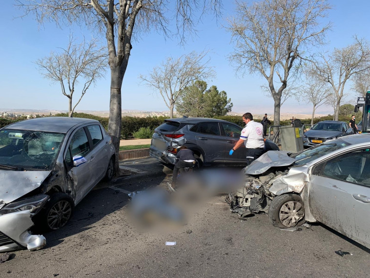 זירת התאונה בירושלים (צילום: תיעוד מבצעי מד''א)