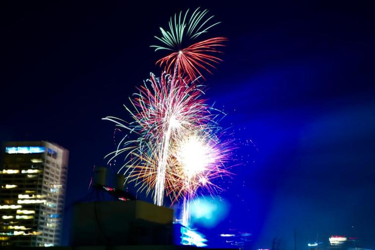 זיקוקים בתל אביב, יום העצמאות ה-73 (צילום: אבשלום ששוני)