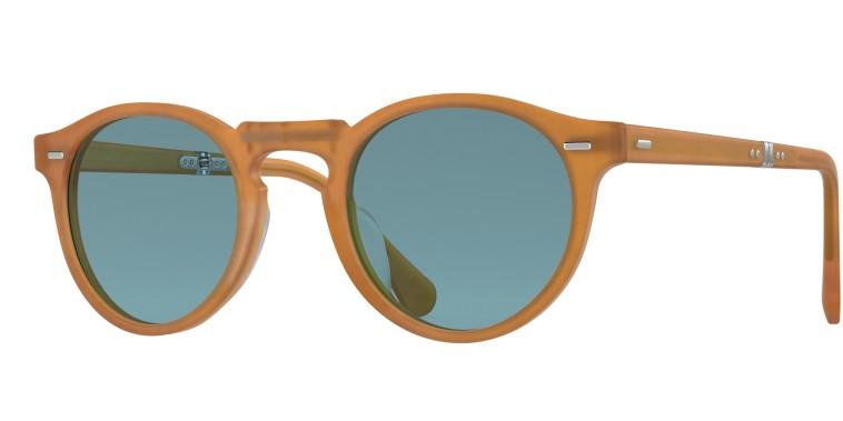 משקפי שמש מתקפלים לגברים, אוליבר פיפלס. מחיר: 2100 שקלים (צילום: יח''צ)
