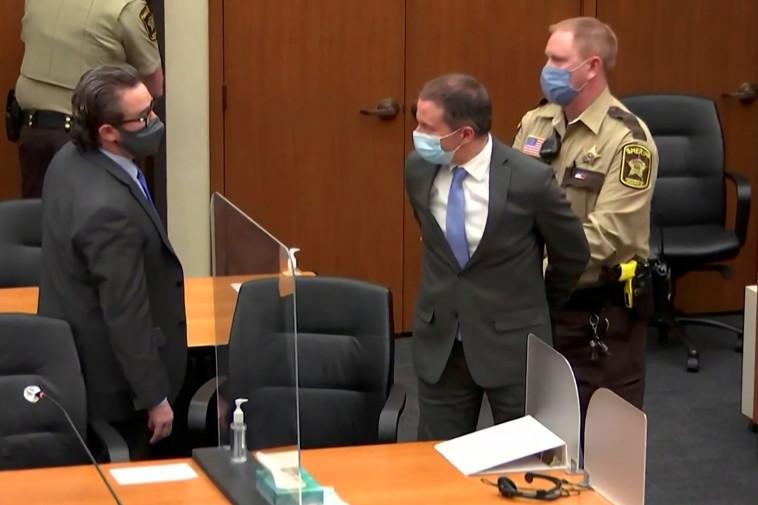 השוטר לשעבר דרק שאובין שהורשע ברצח ג'ורג' פלויד (צילום: רויטרס)