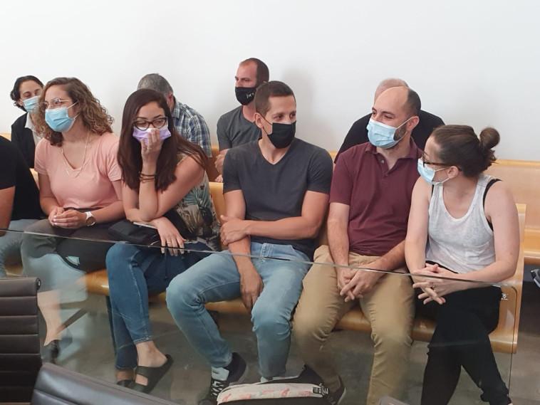 הורי הילדים בדיון גזר הדין של ספיר כהן (צילום: שלומי גבאי, וואלה!News)