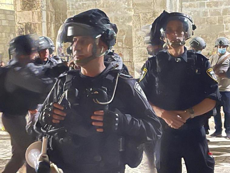 כוחות משטרה בכוננות בהר הבית (צילום: משטרת ישראל)