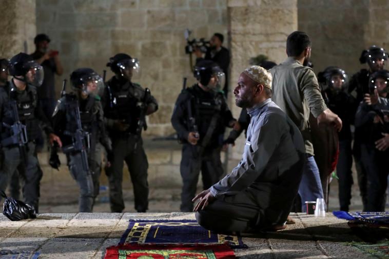 מתיחות בהר הבית (צילום: REUTERS/Ammar Awad)