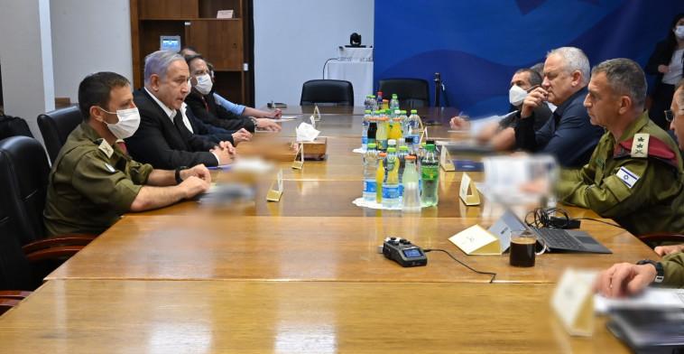 הערכת מצב של ראש הממשלה, שר הביטחון והרמטכ''ל (צילום: תקשורת שר הביטחון)