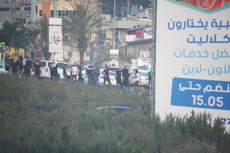 התפרעויות ערבים באום אל פאחם (צילום: דוברות משטרת ישראל)