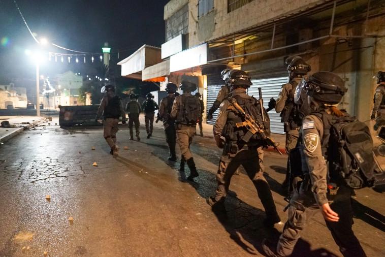 פלוגות מג''ב נכנסות ללוד (צילום: משטרת ישראל)