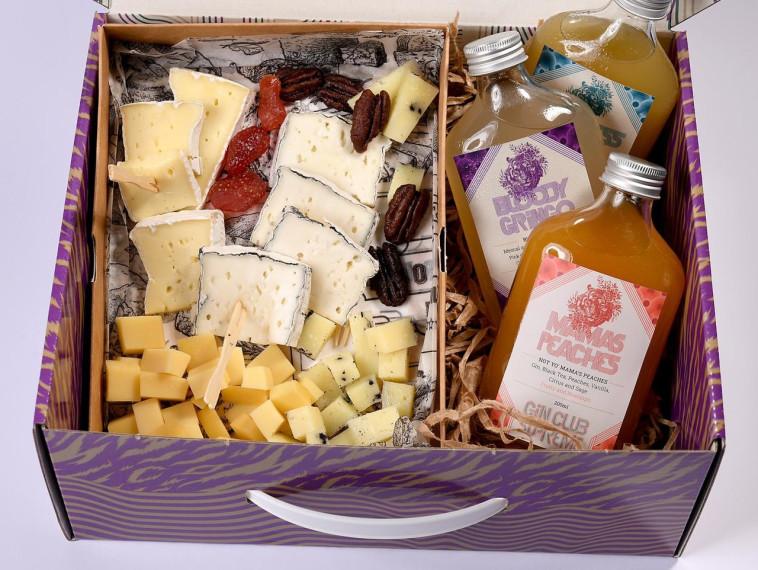 גבינות וג'ין של הג'ין בר ופרומאג'רי (צילום: רן בירן)