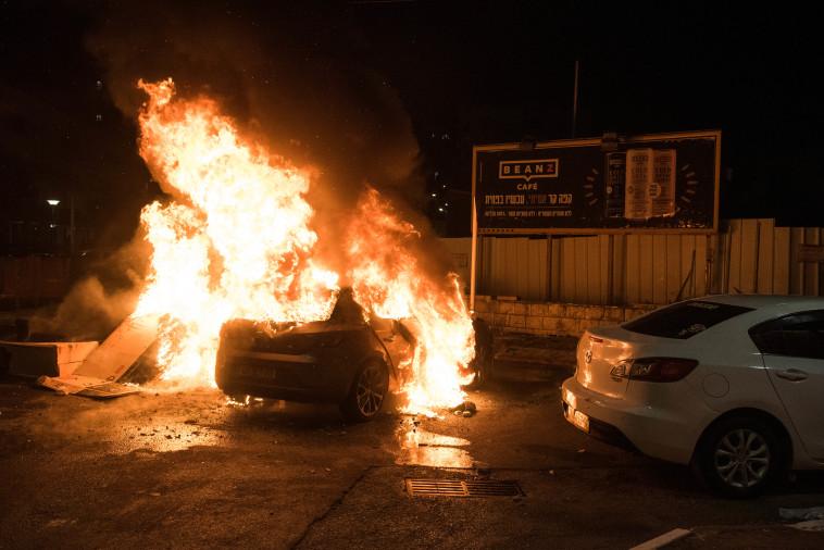 המהומות בעיר עכו (צילום: רוני עופר, פלאש 90)