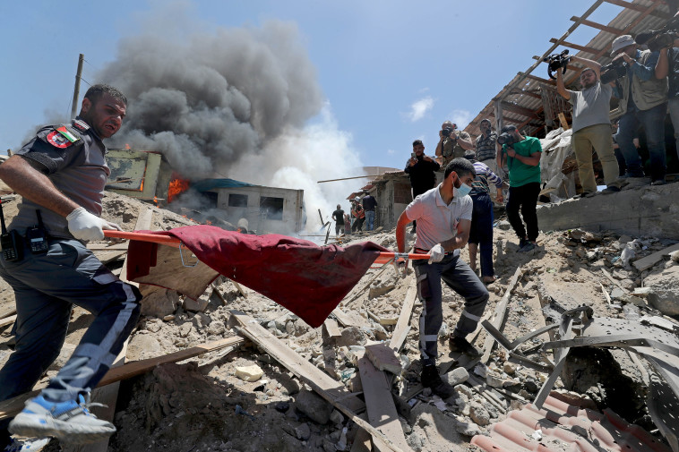 Evacuation of wounded in the Gaza Strip (Photo: Reuters)