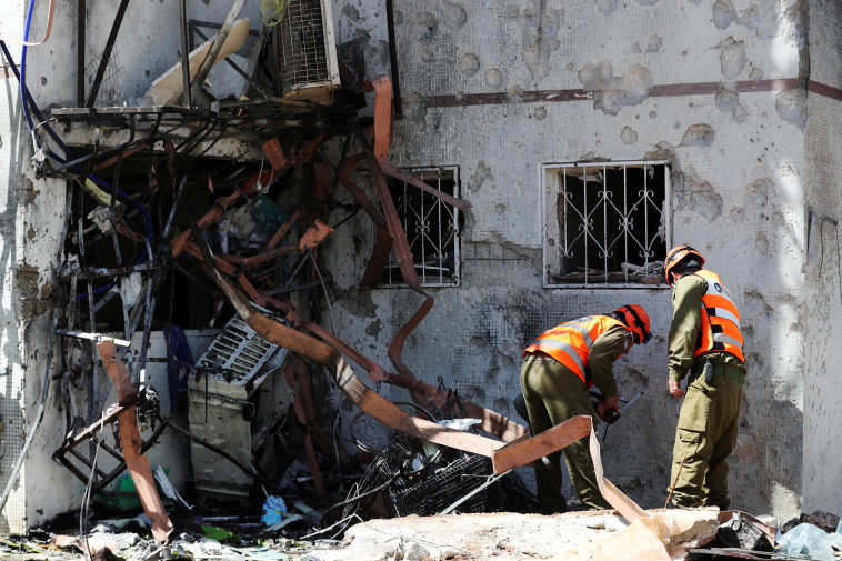 The ruins of a structure hit by a rocket.  Ashkelon (Photo: Reuters)