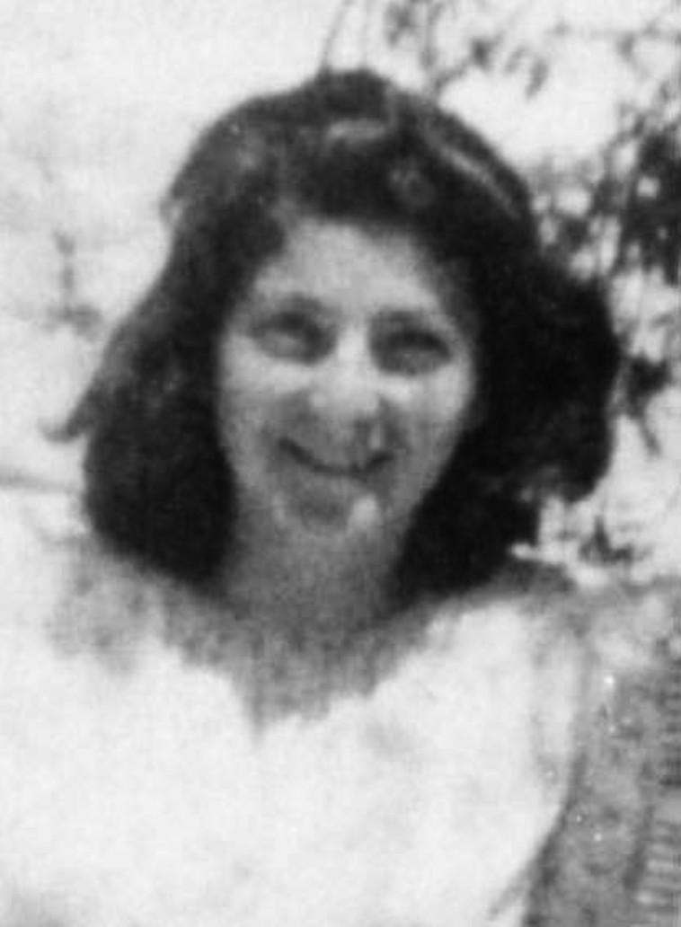 רינה קלמן בצעירותה (צילום: ארכיון הפלמ''ח)
