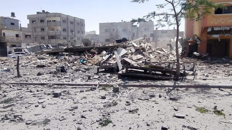 הרס כתוצאה מתקיפת צה''ל ברפיח (צילום: רשתות ערביות)