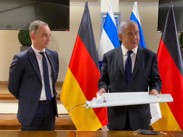 נתניהו מציג לשר החוץ הגרמני את המל''ט האיראני (צילום: קובי גדעון, לע''מ)