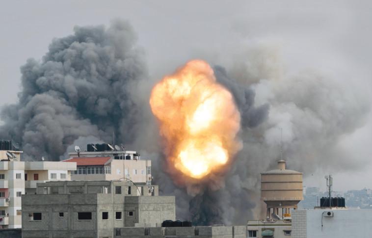 הפצצות בעזה (צילום: רויטרס)